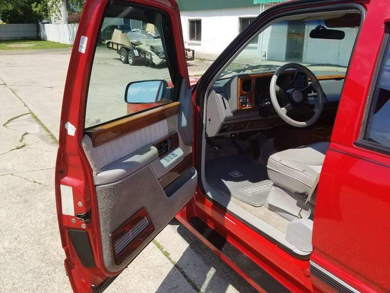 15th Image of a 1994 CHEVROLET SUBURBAN 1500