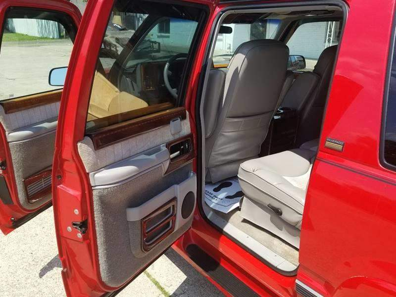 17th Image of a 1994 CHEVROLET SUBURBAN 1500