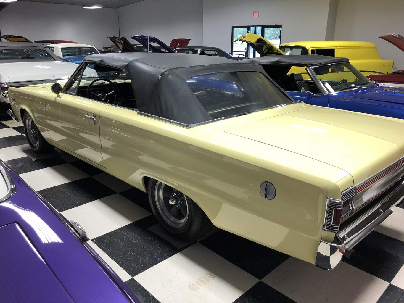 4th Image of a 1967 PLYMOUTH SATELLITE