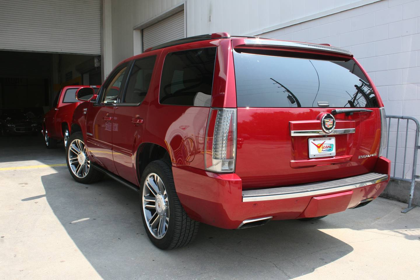 9th Image of a 2013 CADILLAC ESCALADE