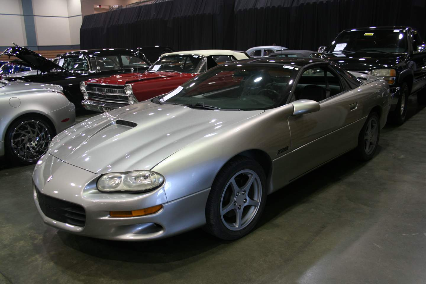 2nd Image of a 2002 CHEVROLET CAMARO Z28