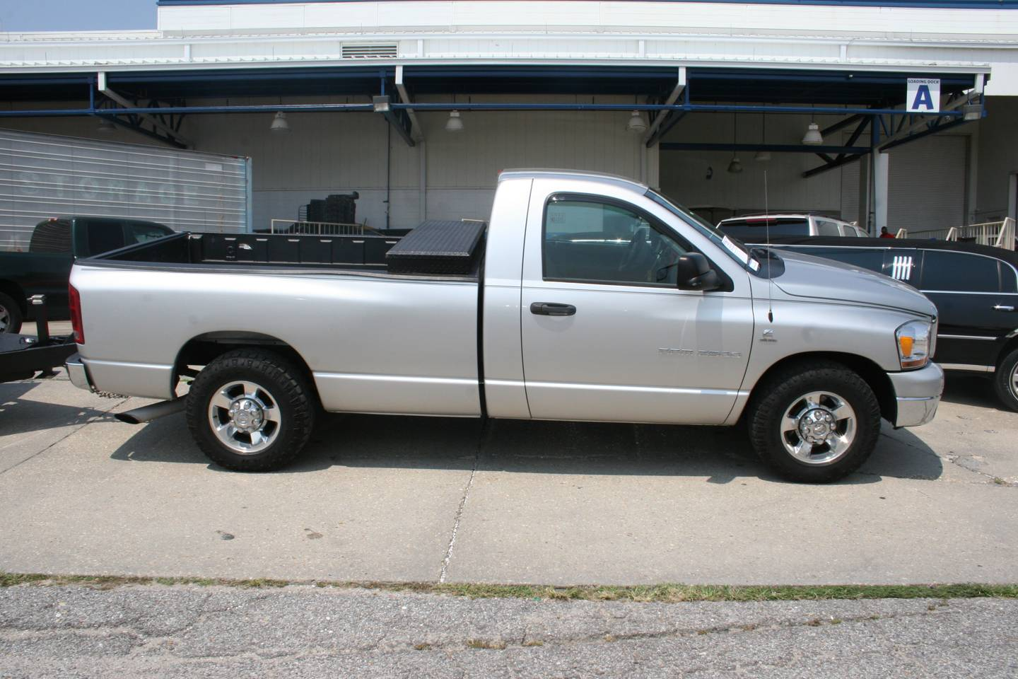 16th Image of a 2006 DODGE RAM PICKUP 2500