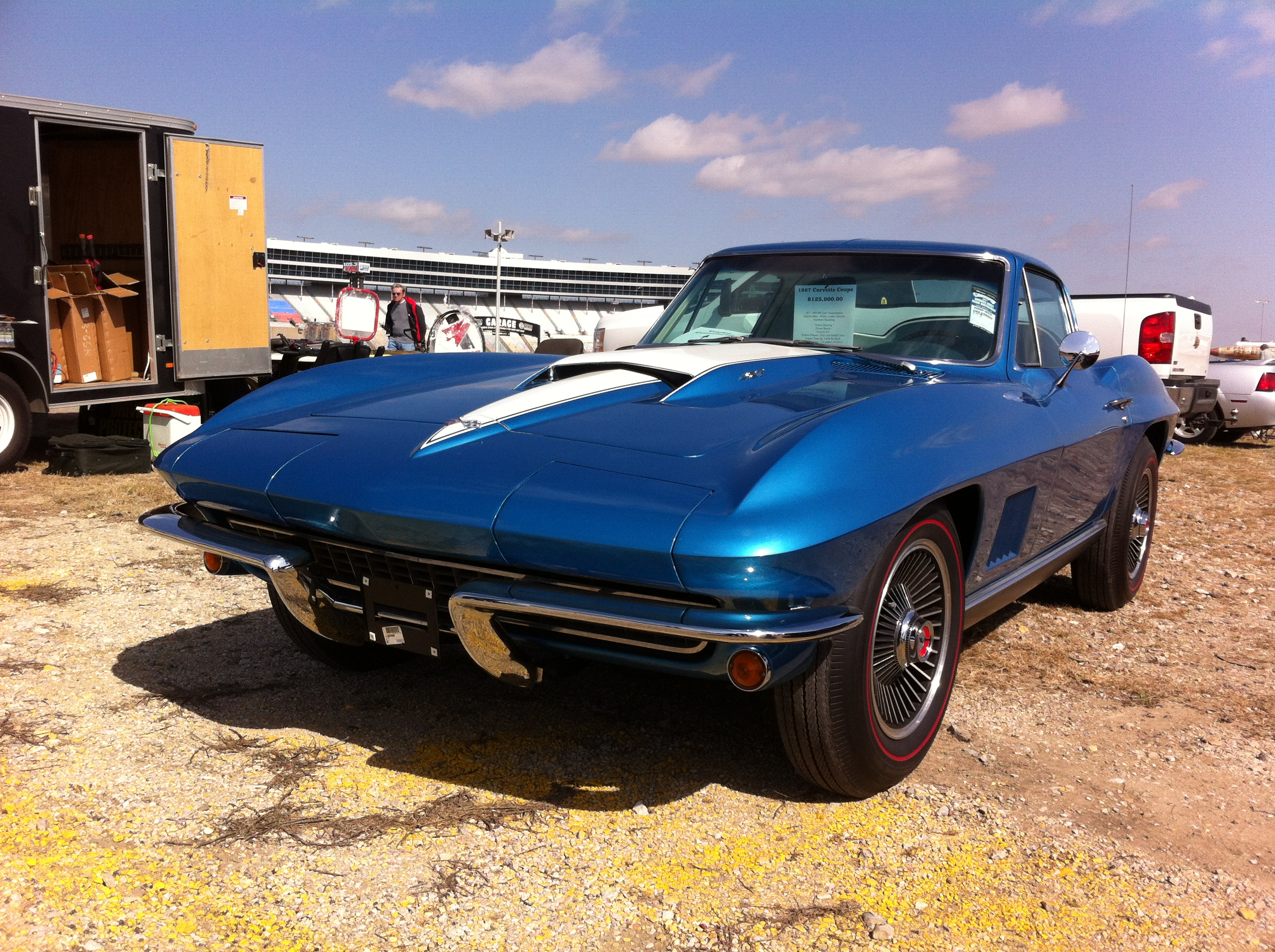 3rd Image of a 1967 CHEVROLET CORVETTE