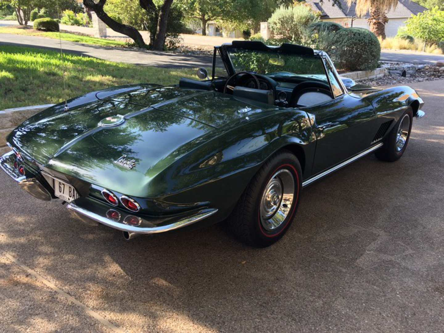 2nd Image of a 1967 CHEVROLET CORVETTE STINGRAY