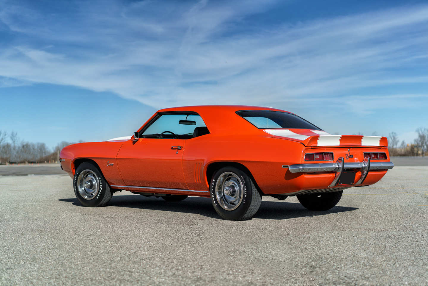 2nd Image of a 1969 CHEVROLET CAMARO