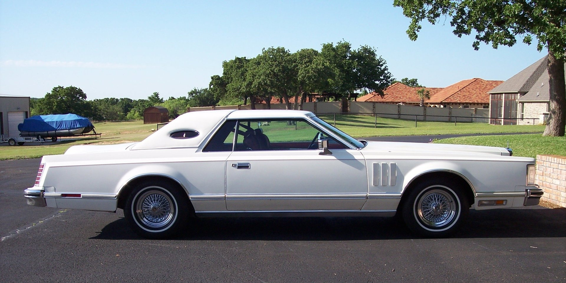 1st Image of a 1977 LINCOLN CONTINENTAL MARK V