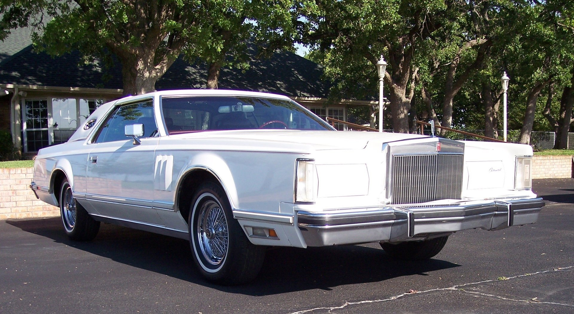 3rd Image of a 1977 LINCOLN CONTINENTAL MARK V