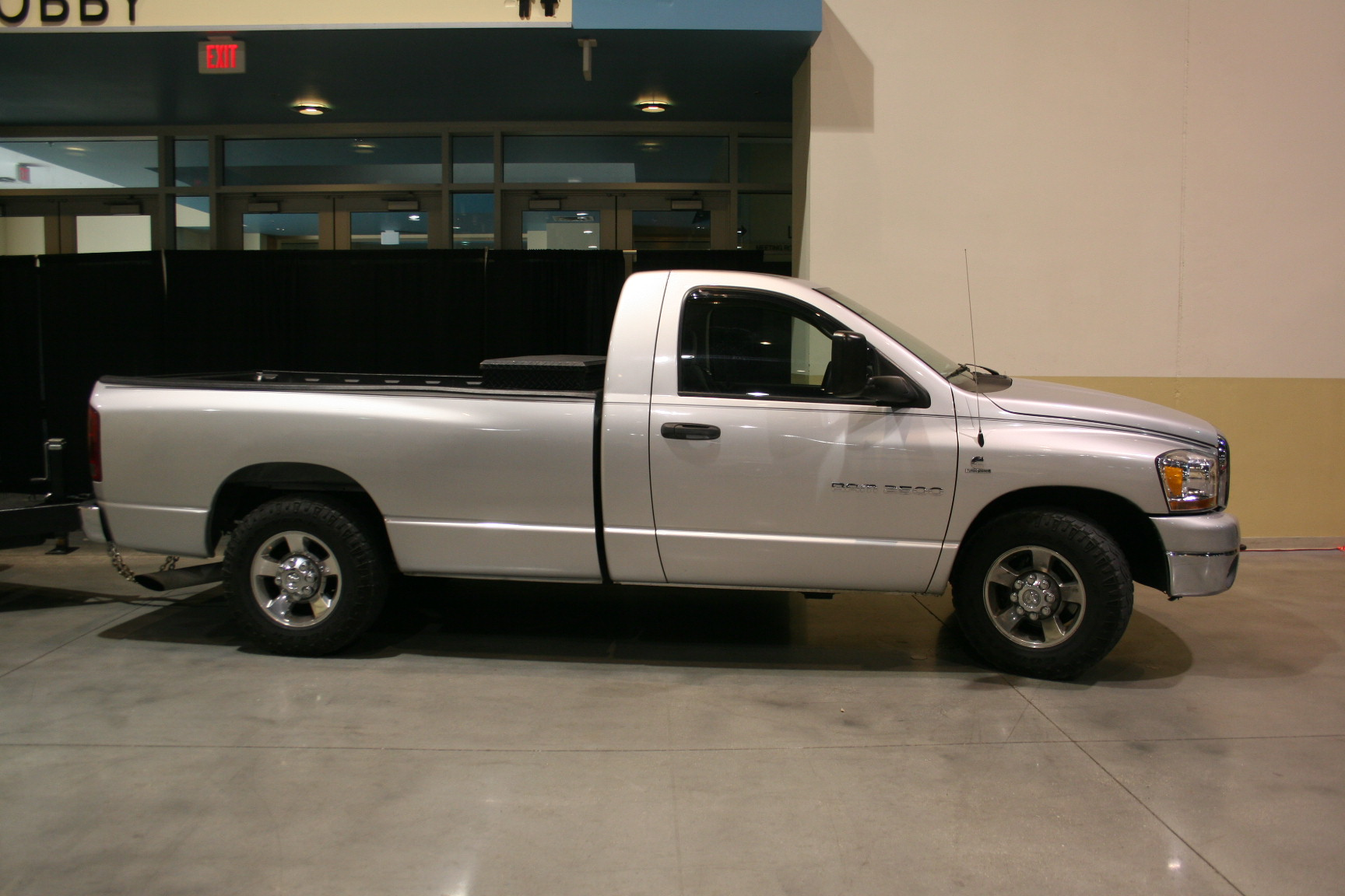 13th Image of a 2006 DODGE RAM PICKUP 2500