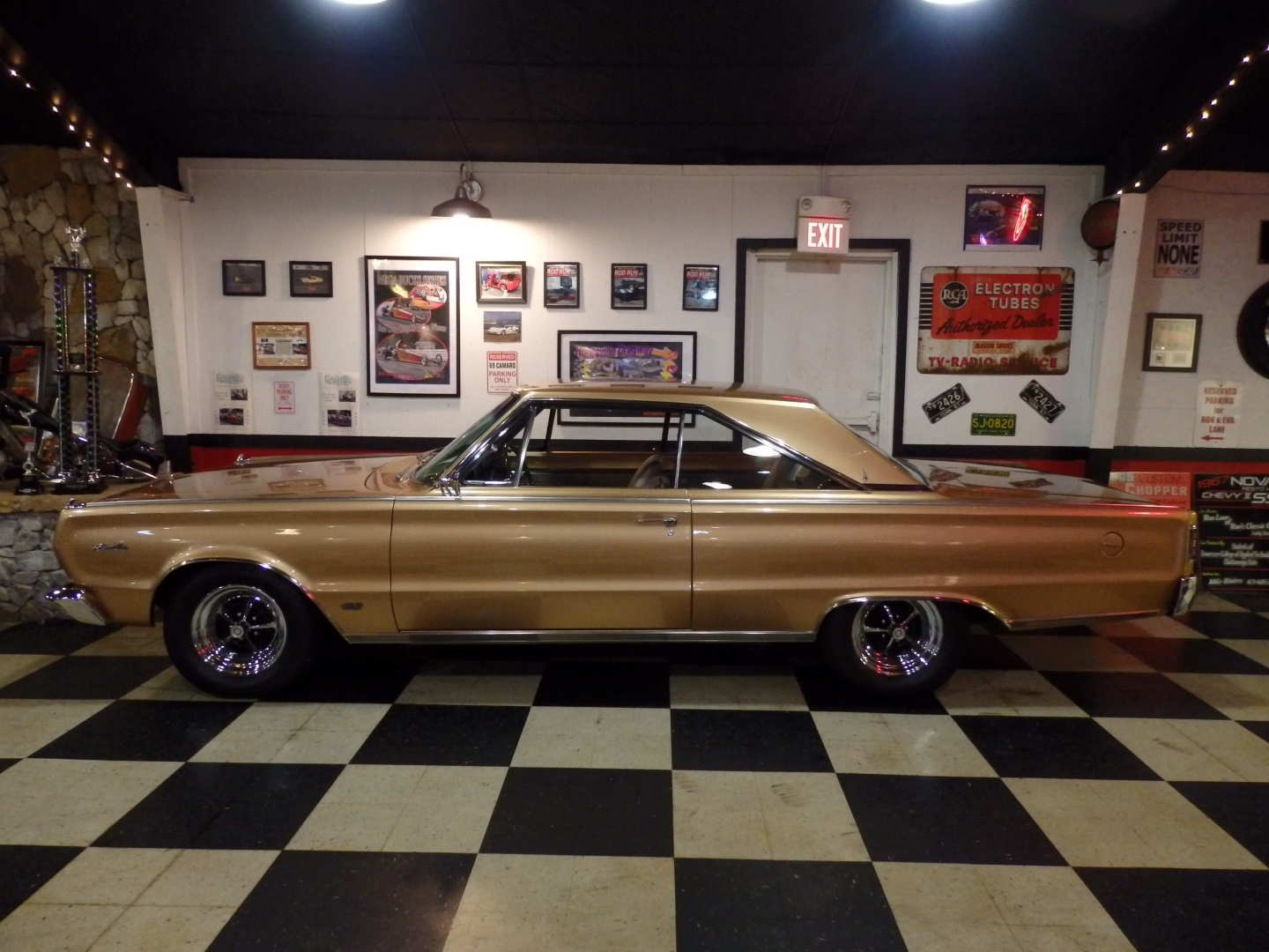 4th Image of a 1966 PLYMOUTH SATELLITE