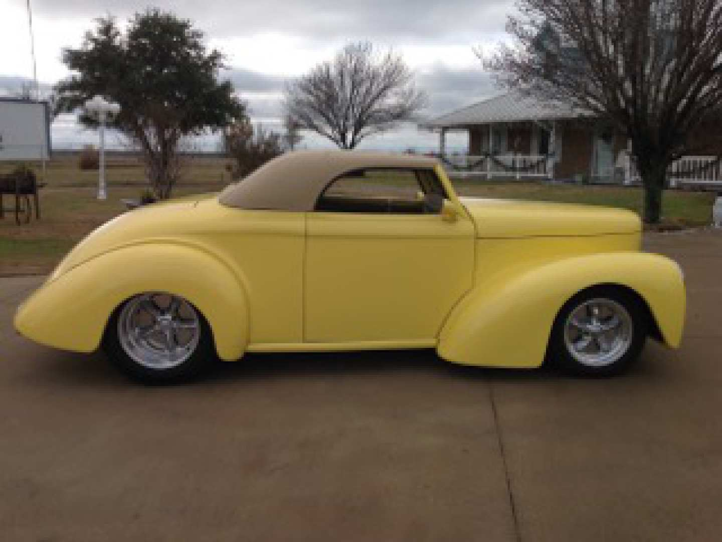 3rd Image of a 1941 WILLYS CUSTOM 41 REPLICA