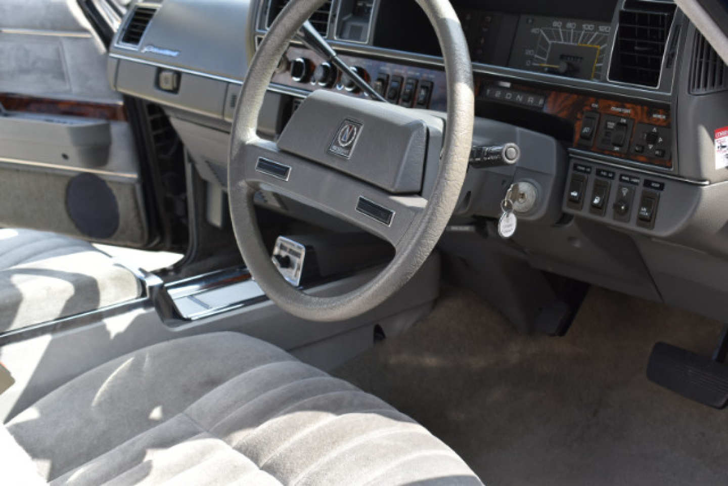 29th Image of a 1987 NISSAN PRESIDENT