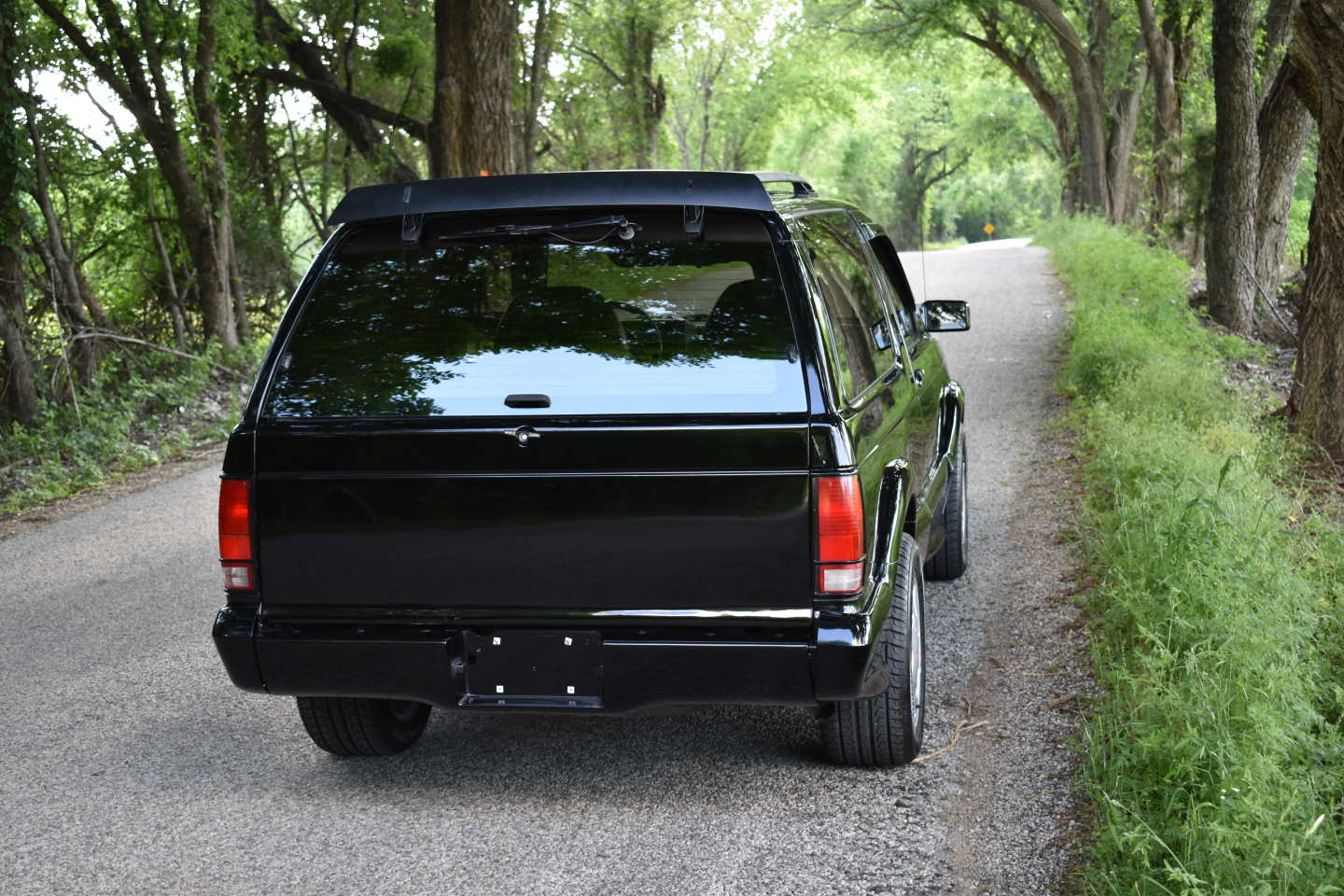 5th Image of a 1993 GMC TYPHOON