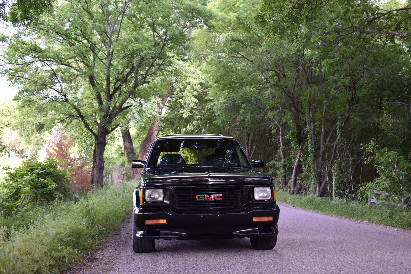 7th Image of a 1993 GMC TYPHOON