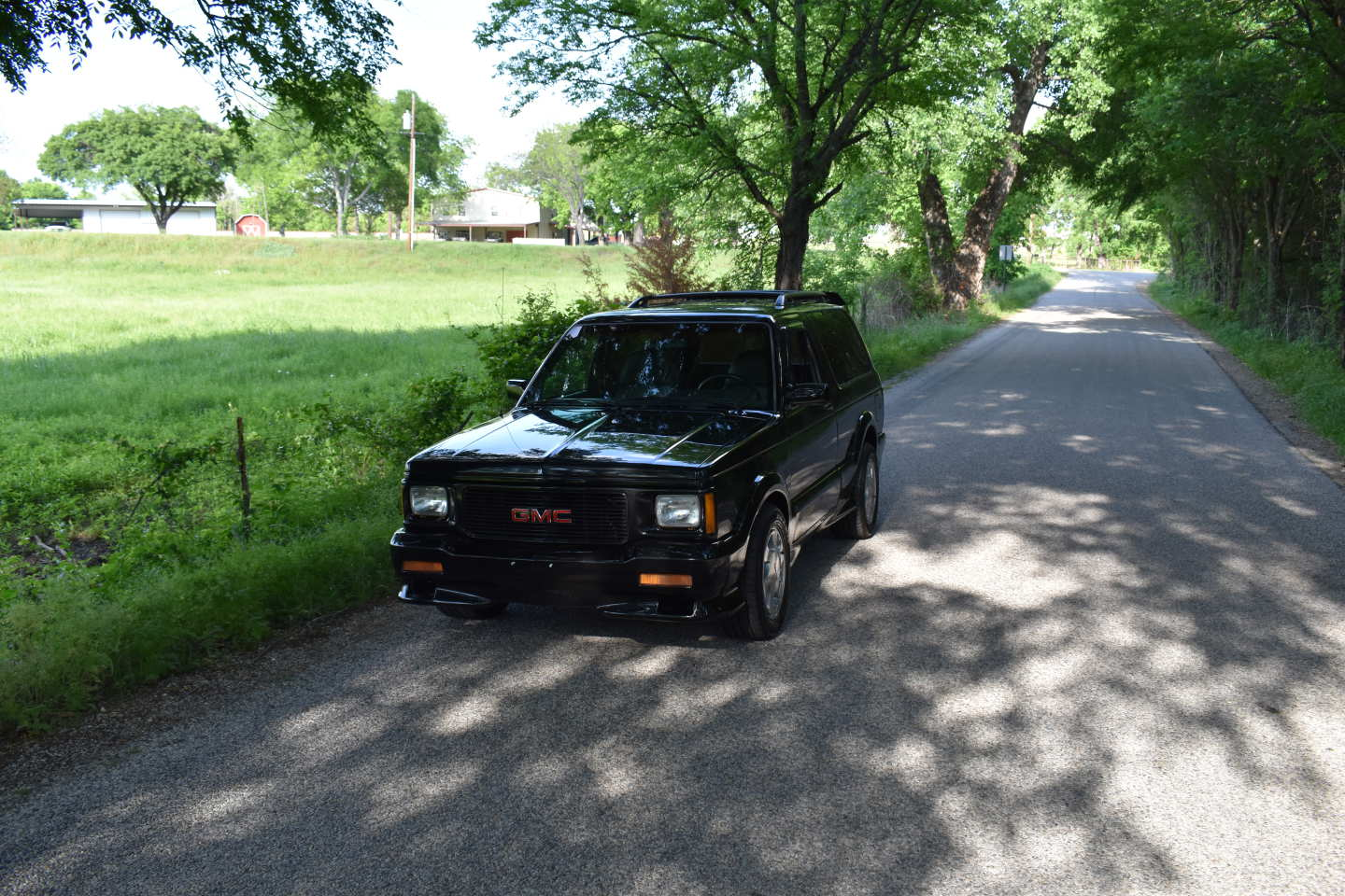 8th Image of a 1993 GMC TYPHOON