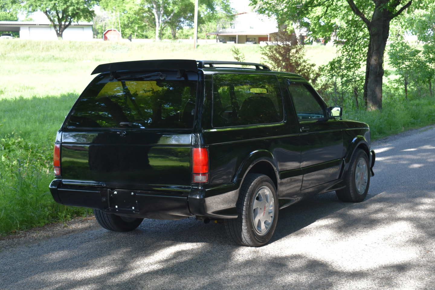 9th Image of a 1993 GMC TYPHOON