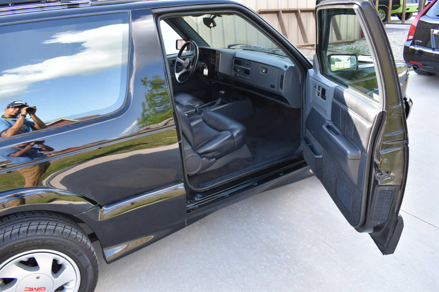 26th Image of a 1993 GMC TYPHOON