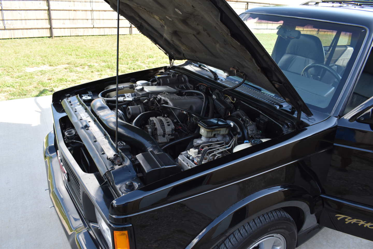 34th Image of a 1993 GMC TYPHOON
