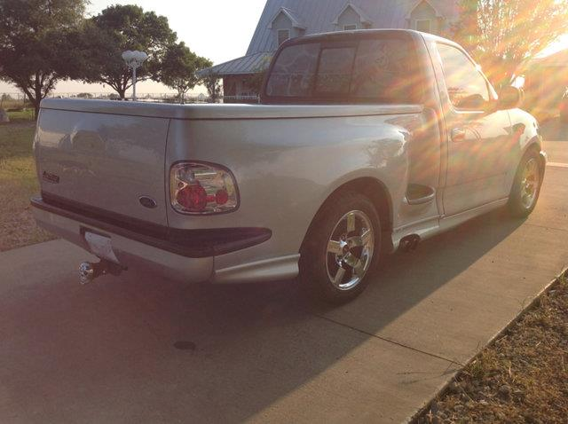 3rd Image of a 2002 FORD LIGHTNING