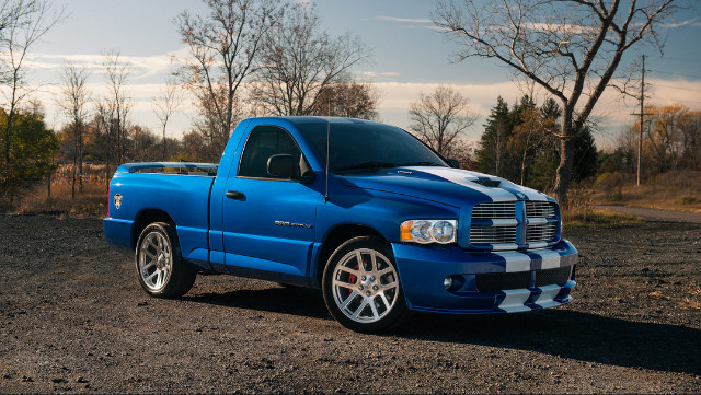 2nd Image of a 2004 DODGE RAM VIPER