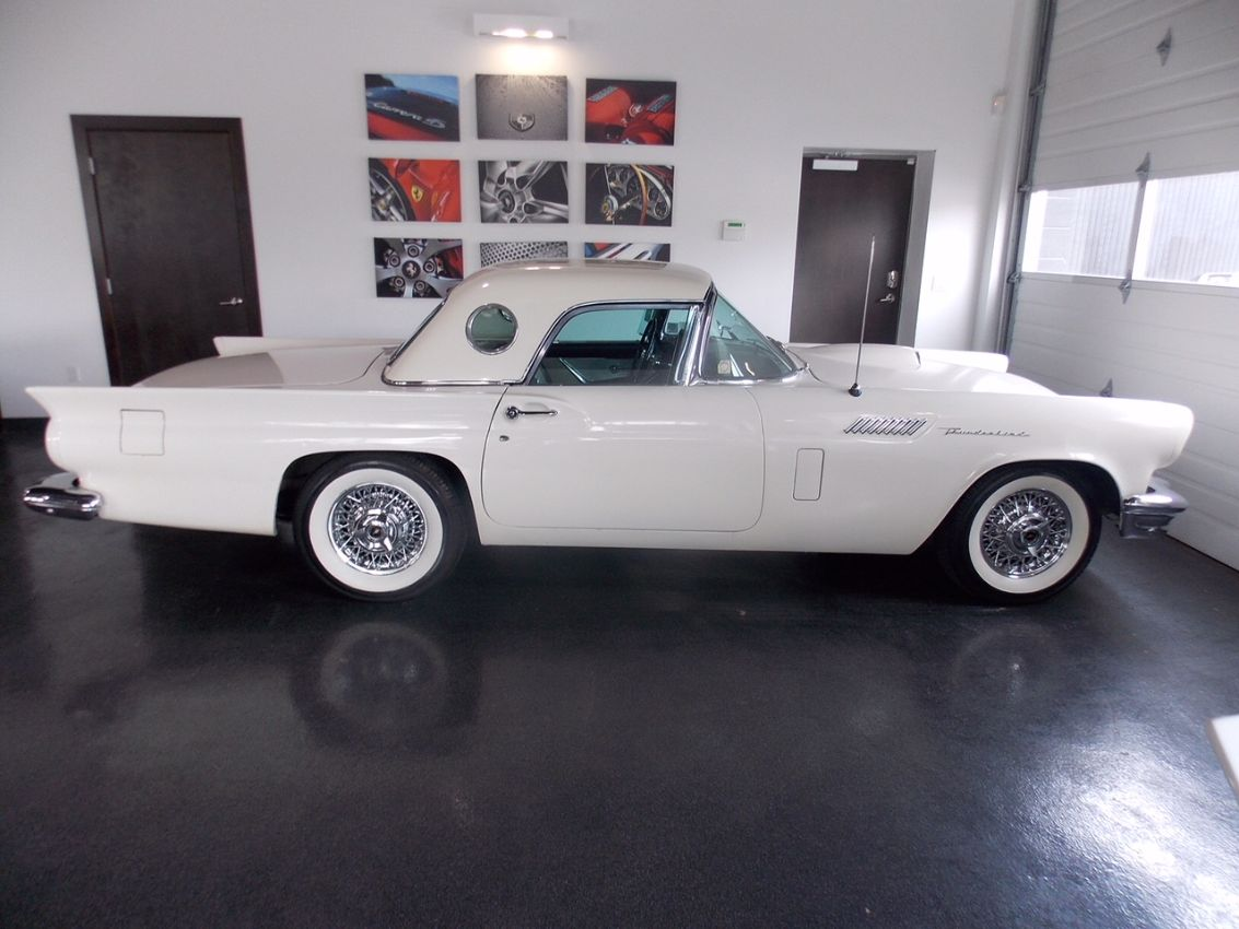 3rd Image of a 1957 FORD THUNDERBIRD