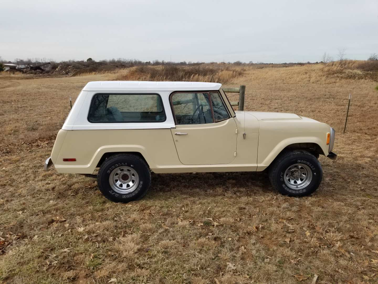 2nd Image of a 1973 JEEP COMMANDO
