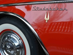 2nd Image of a 1957 STUDEBAKER GOLDEN HAWK