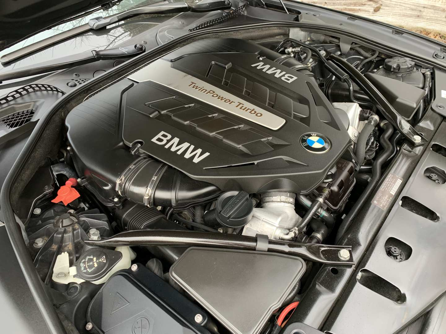 5th Image of a 2012 BMW 6 SERIES 650I
