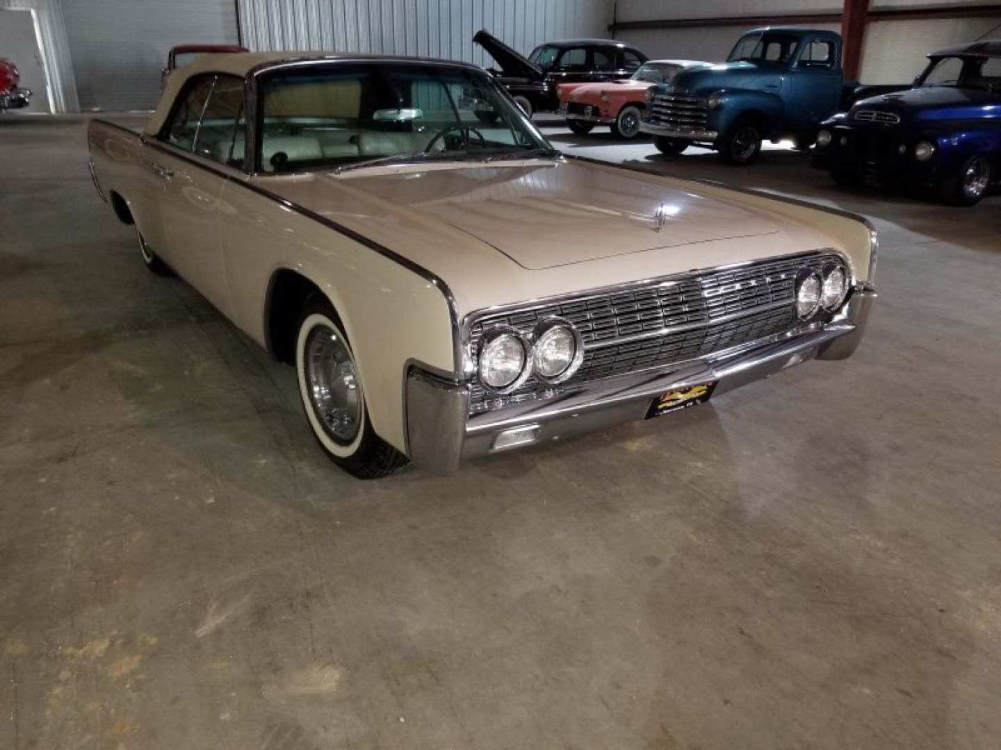 4th Image of a 1962 LINCOLN CONTINENTAL