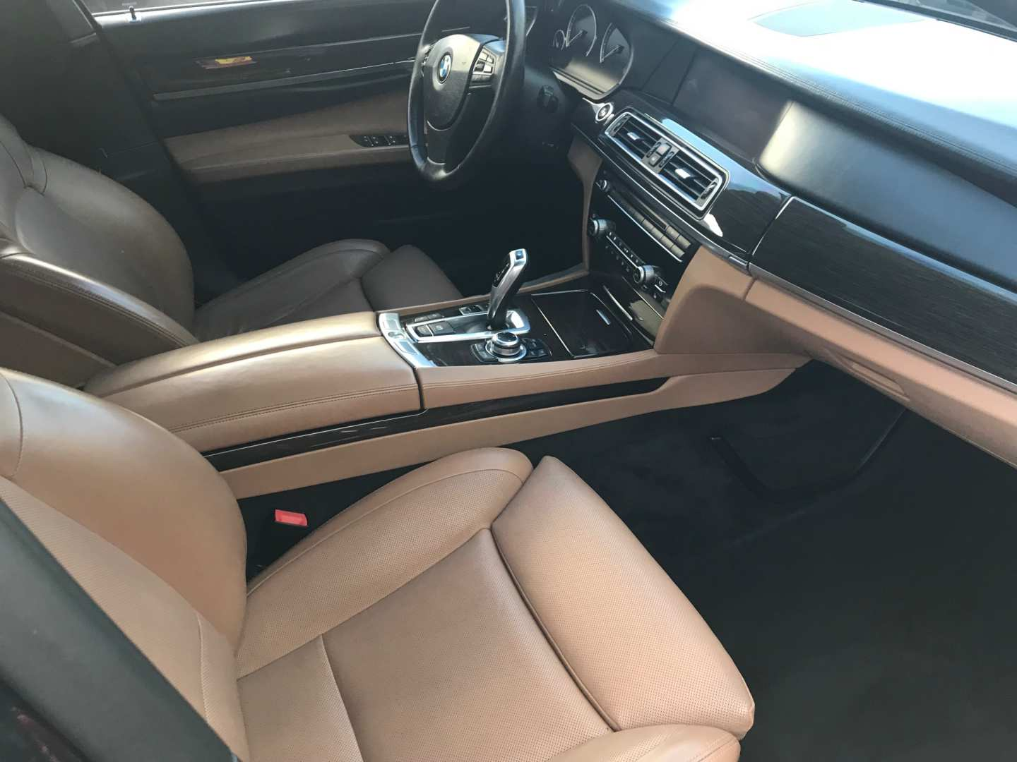 8th Image of a 2011 BMW 7 SERIES 750I ACTIVEHYBRID