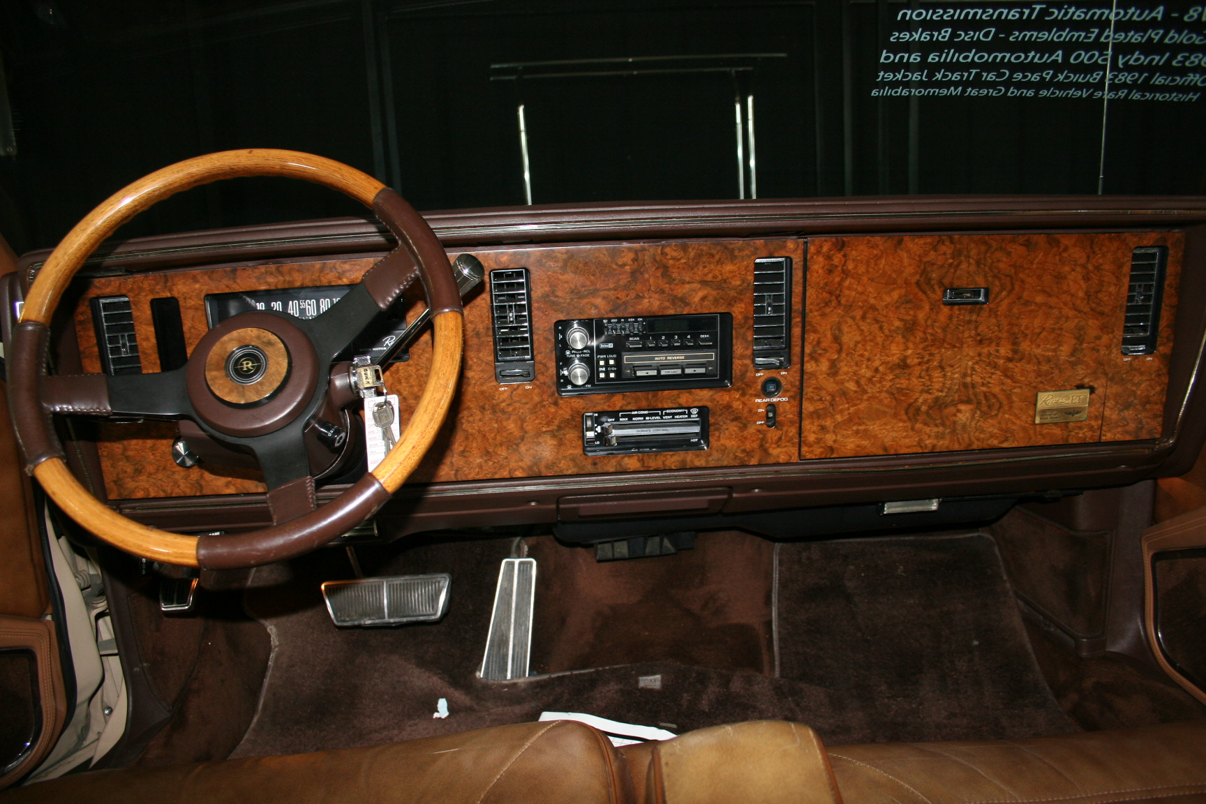 3rd Image of a 1983 BUICK RIVIERA
