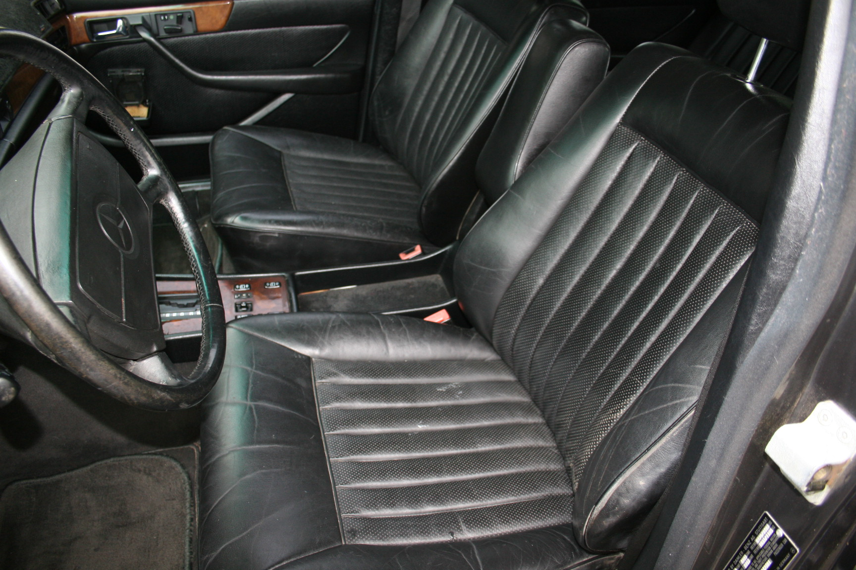2nd Image of a 1987 MERCEDES-BENZ 560 560SEL