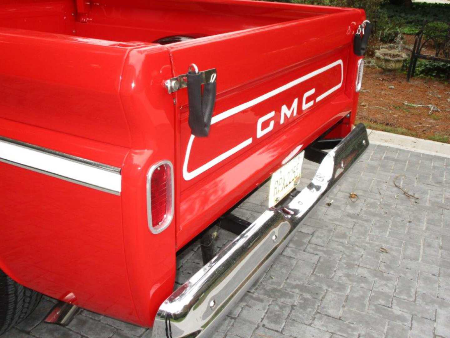 15th Image of a 1965 GMC TRUCK C10