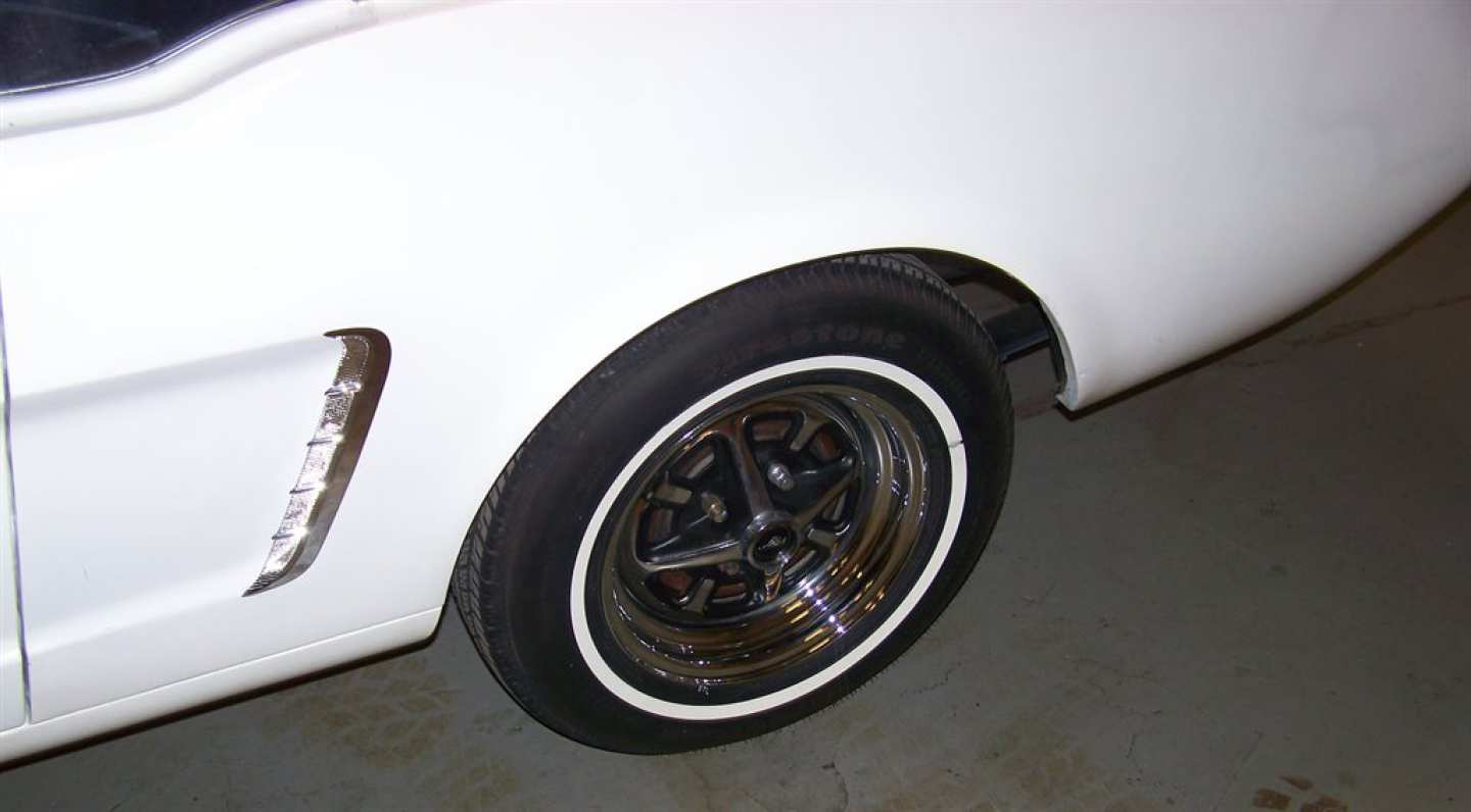 5th Image of a 1965 FORD MUSTANG