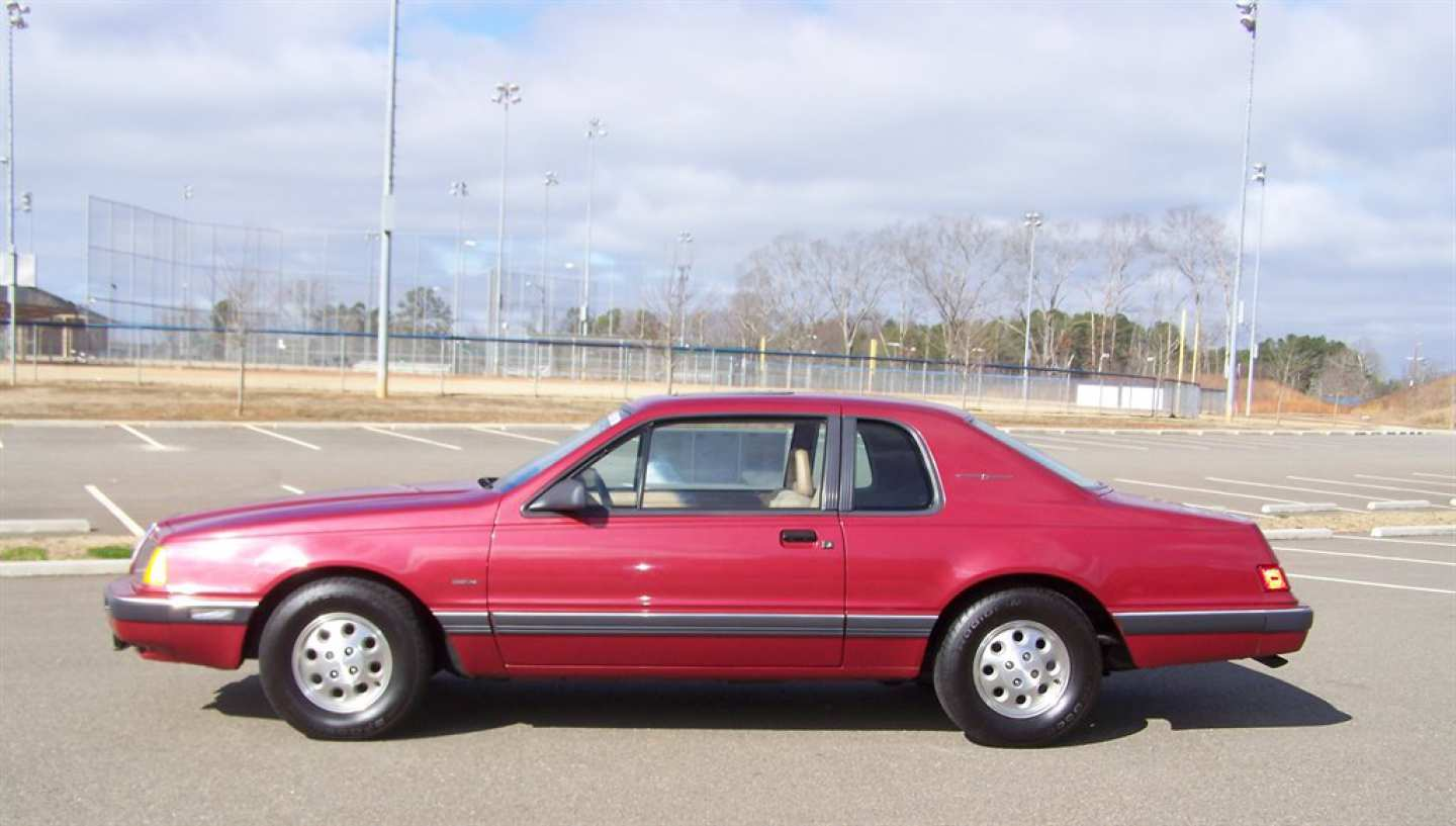 27th Image of a 1984 FORD THUNDERBIRD