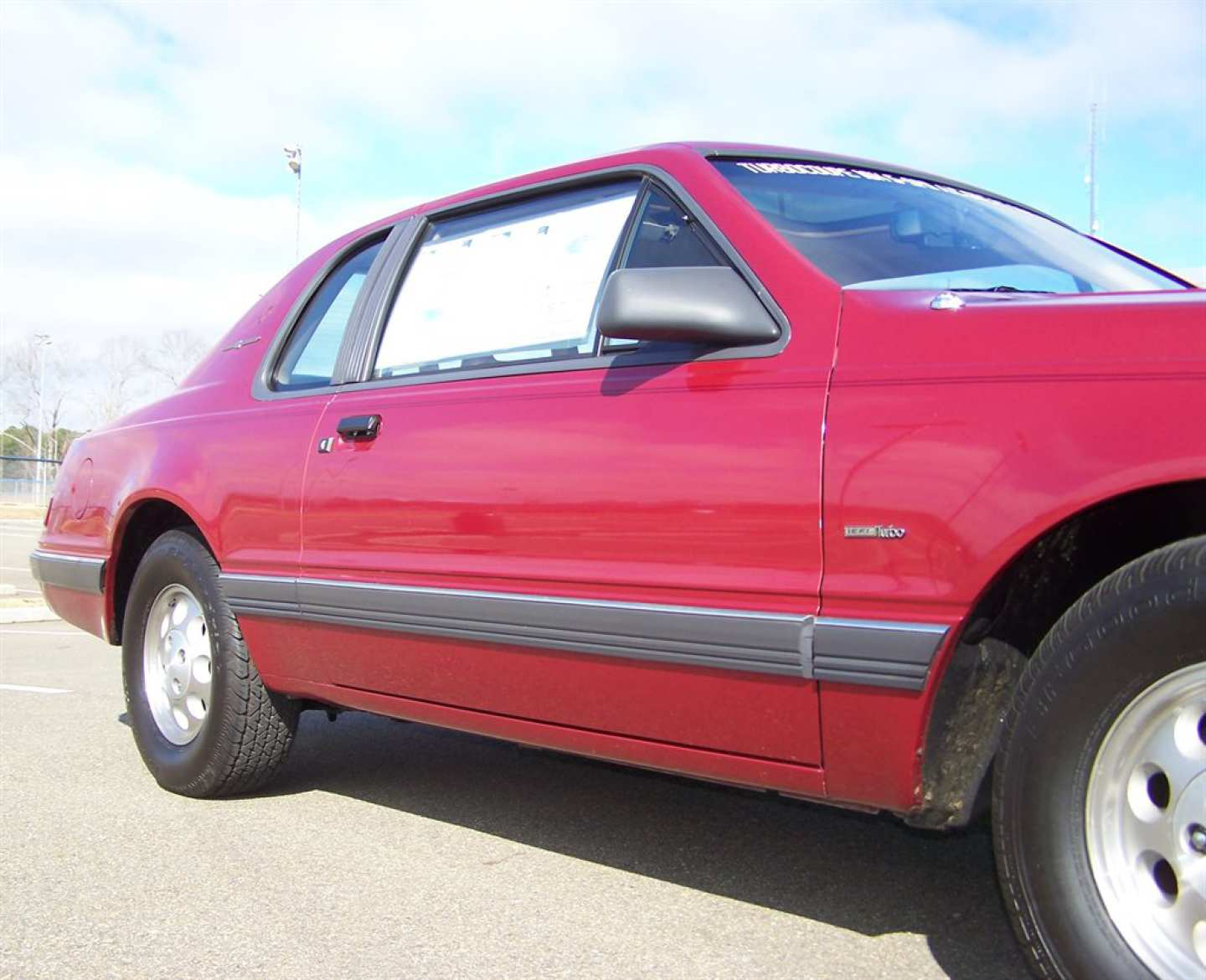 52nd Image of a 1984 FORD THUNDERBIRD