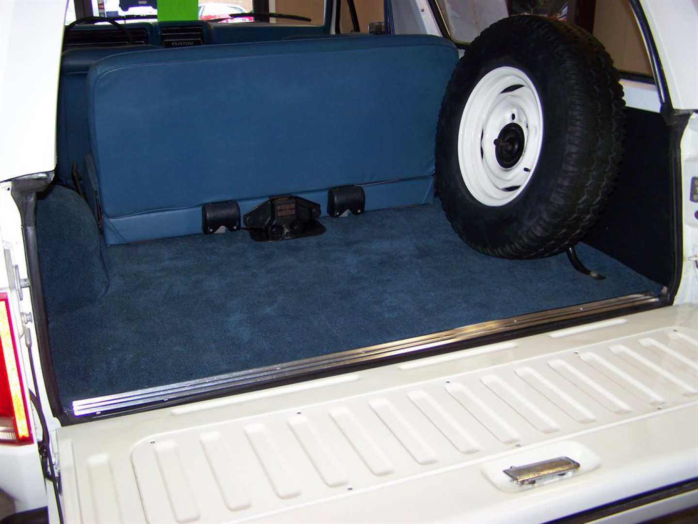 6th Image of a 1981 FORD BRONCO CUSTOM