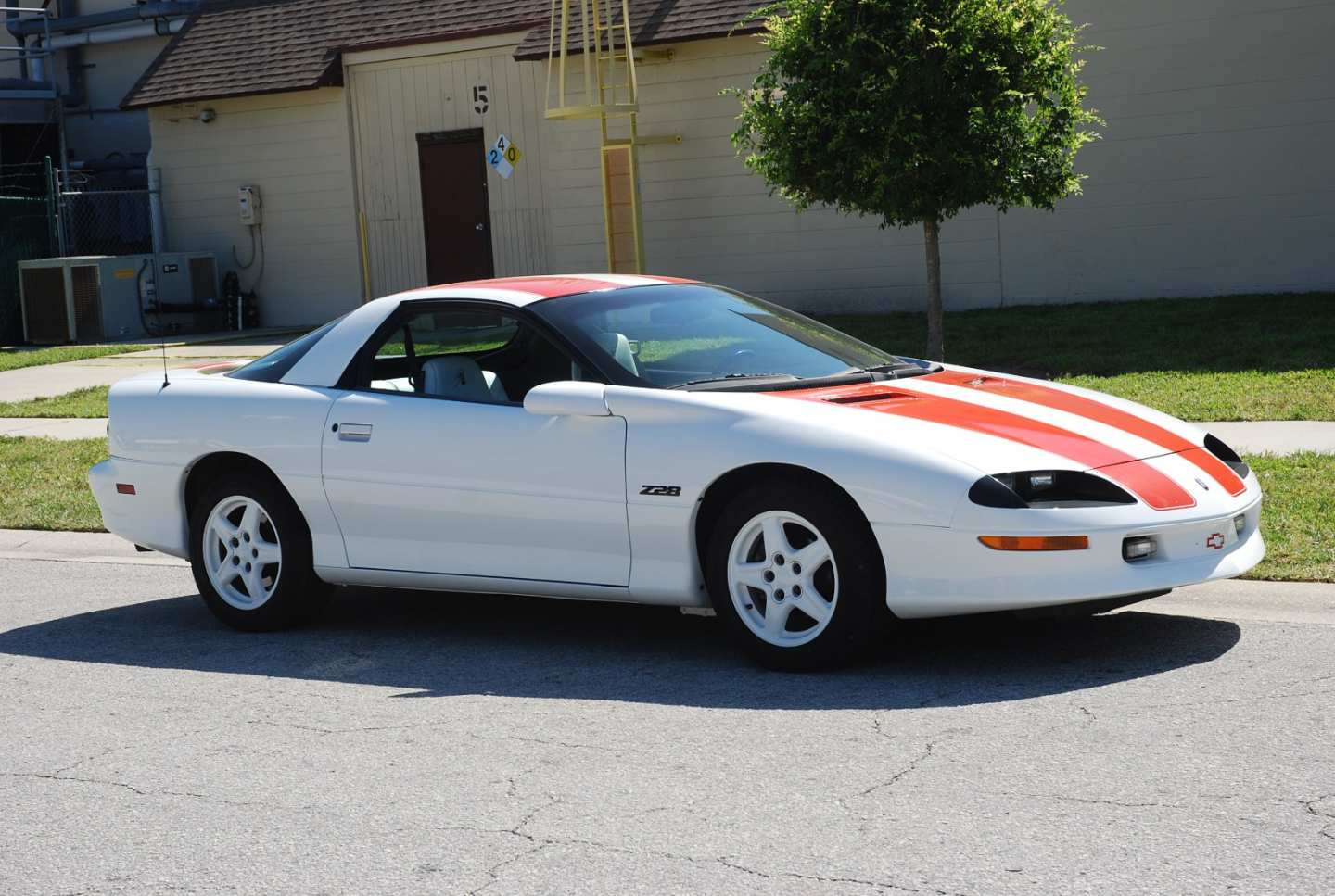 9th Image of a 1997 CHEVROLET CAMARO Z28