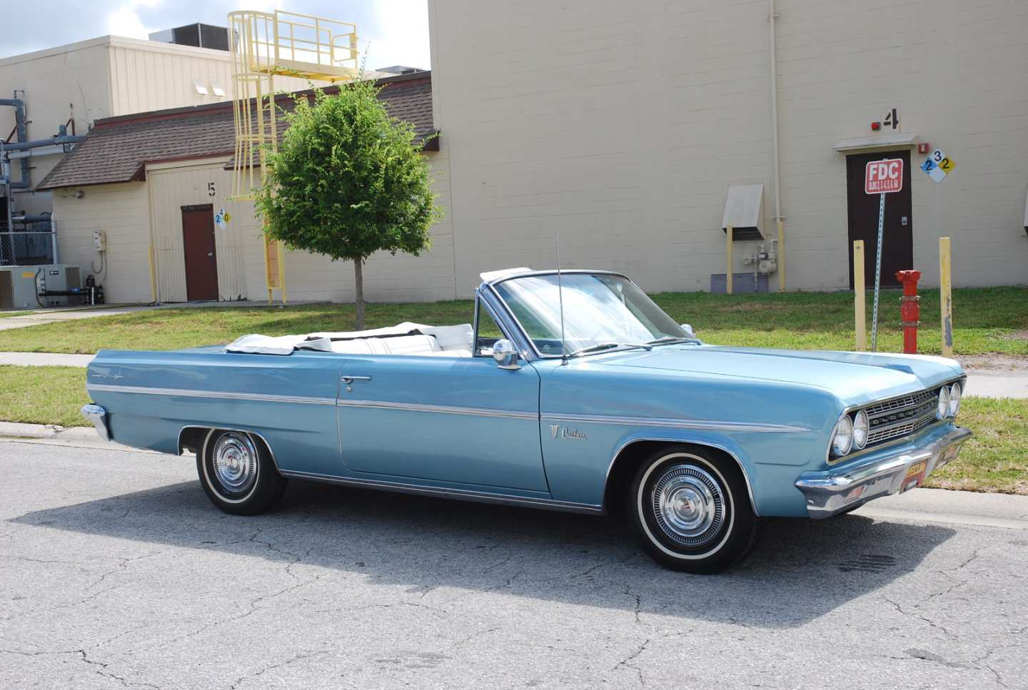 4th Image of a 1963 OLDSMOBILE CUTLASS