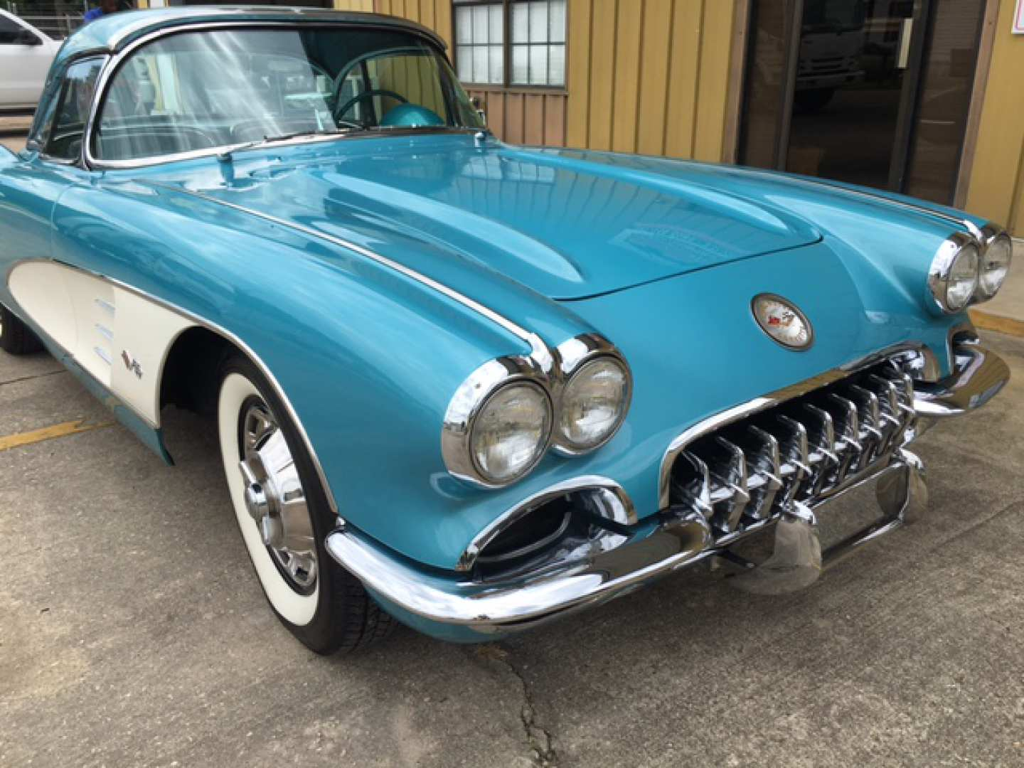 3rd Image of a 1959 CHEVROLET CORVETTE