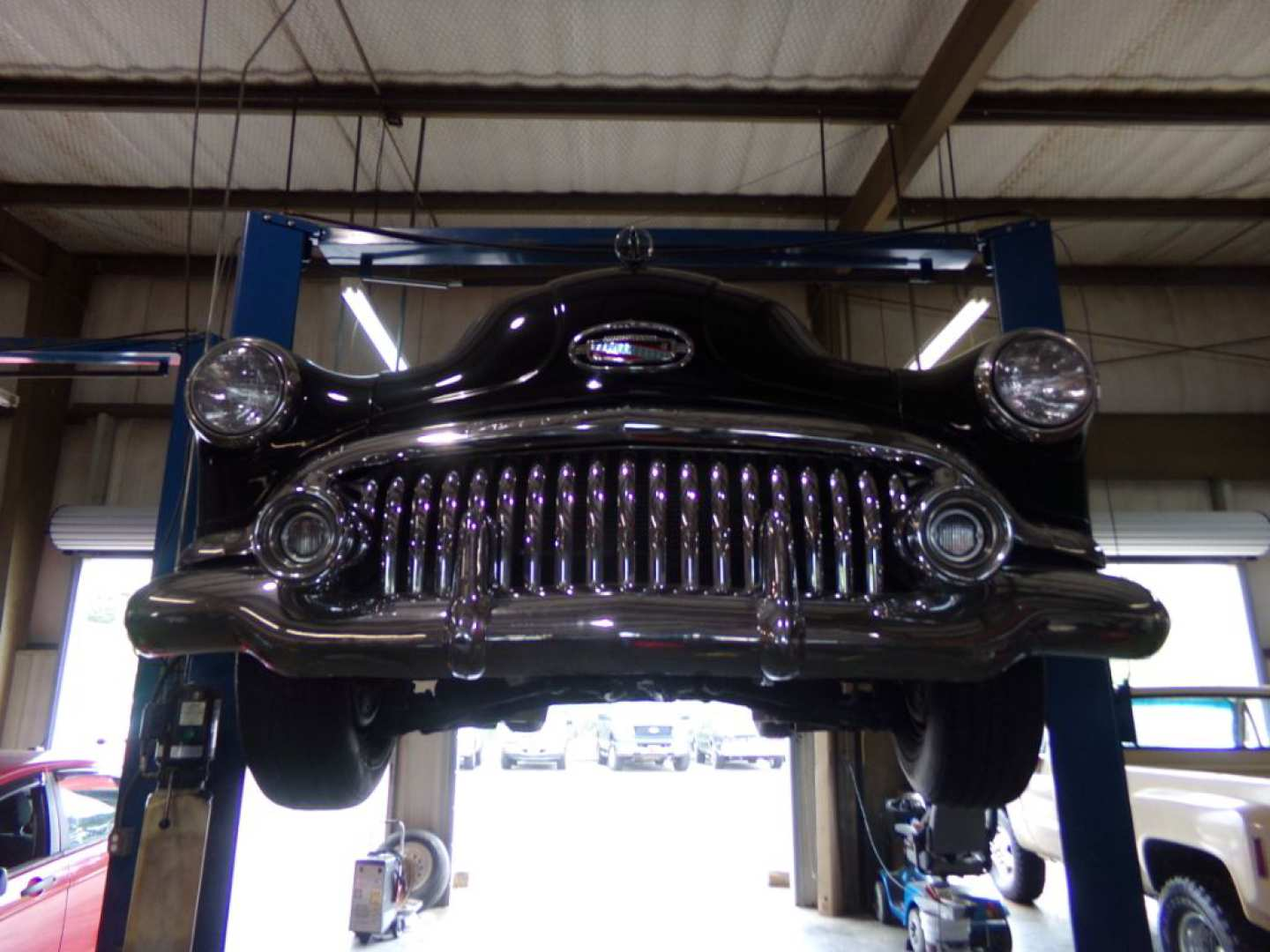 3rd Image of a 1951 BUICK EIGHT SPECIAL