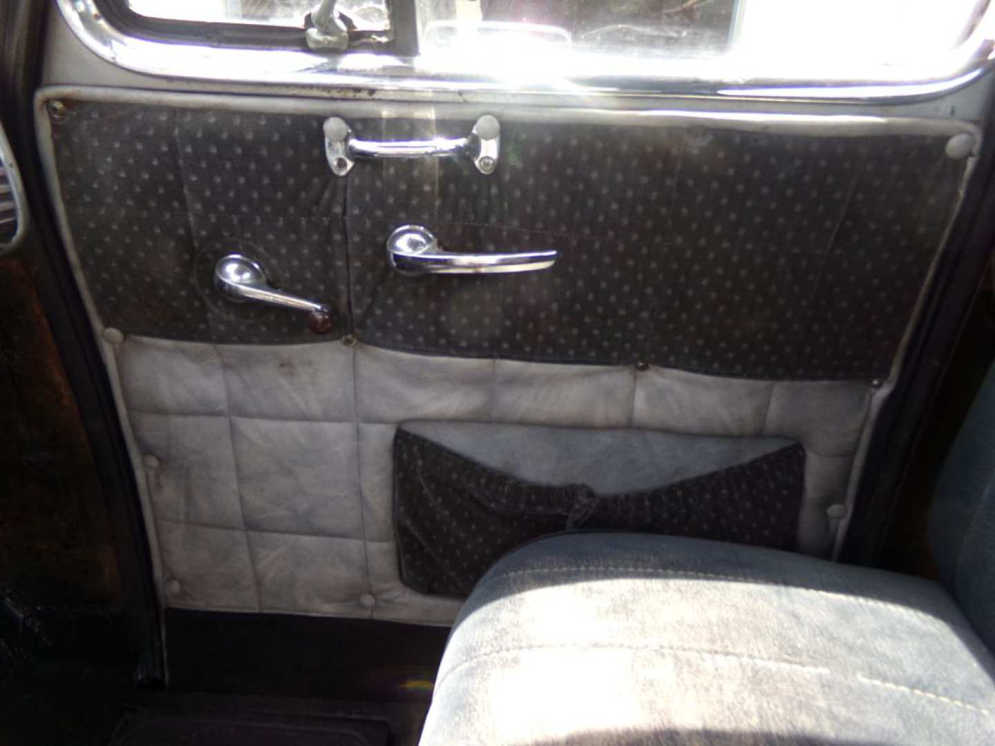 2nd Image of a 1951 CHEVROLET 3100