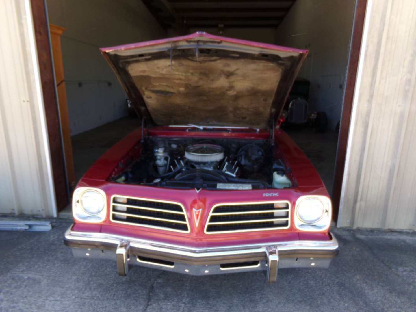 19th Image of a 1976 PONTIAC VENTURA SJ