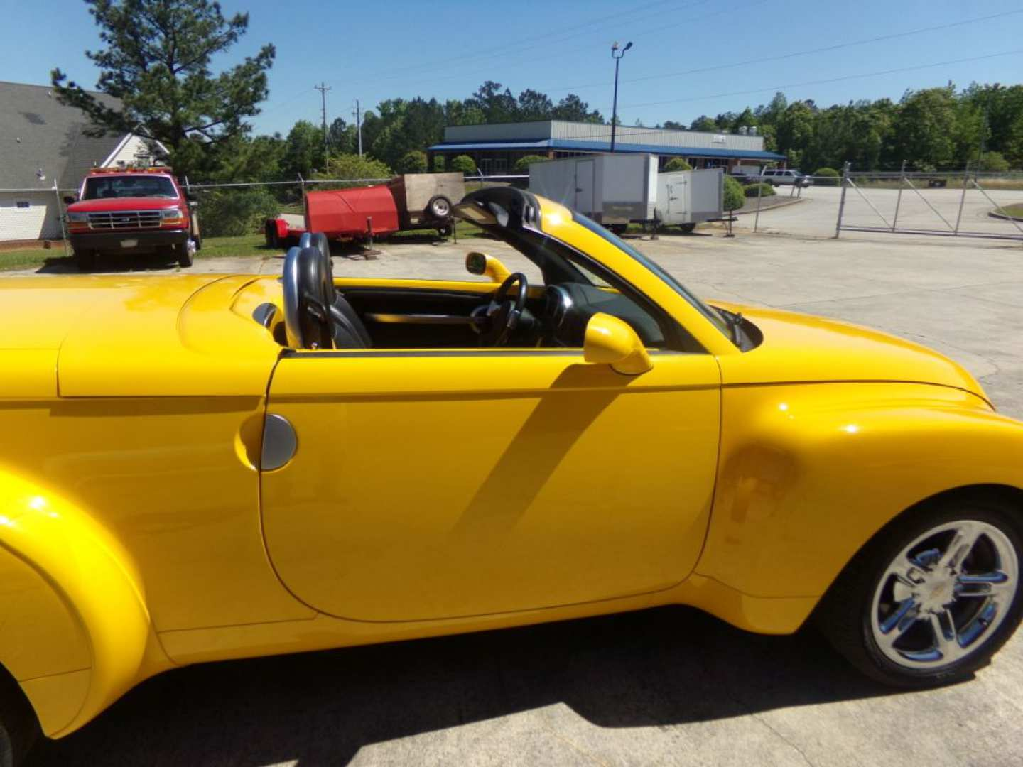22nd Image of a 2004 CHEVROLET SSR