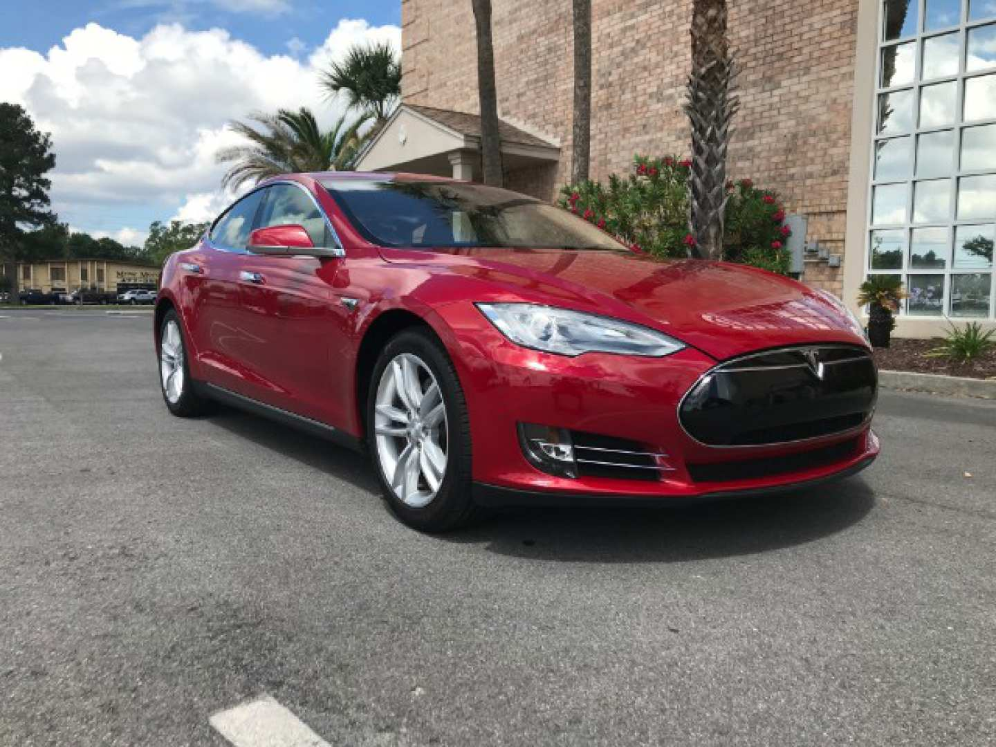 4th Image of a 2014 TESLA S70