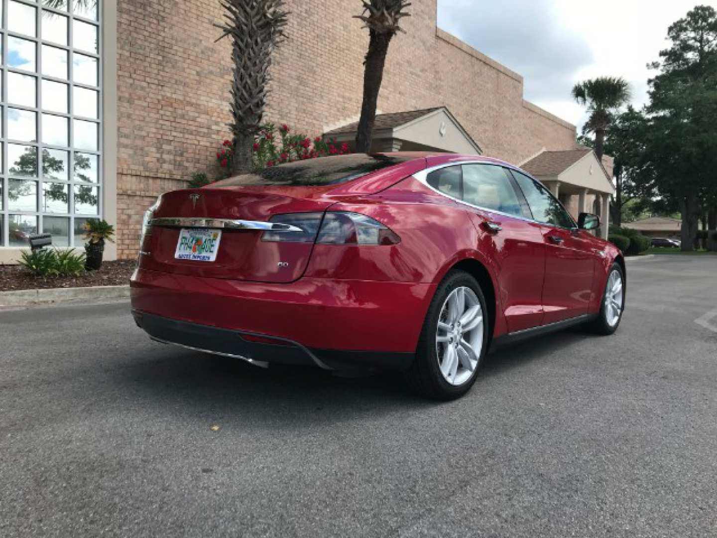 2nd Image of a 2014 TESLA S70