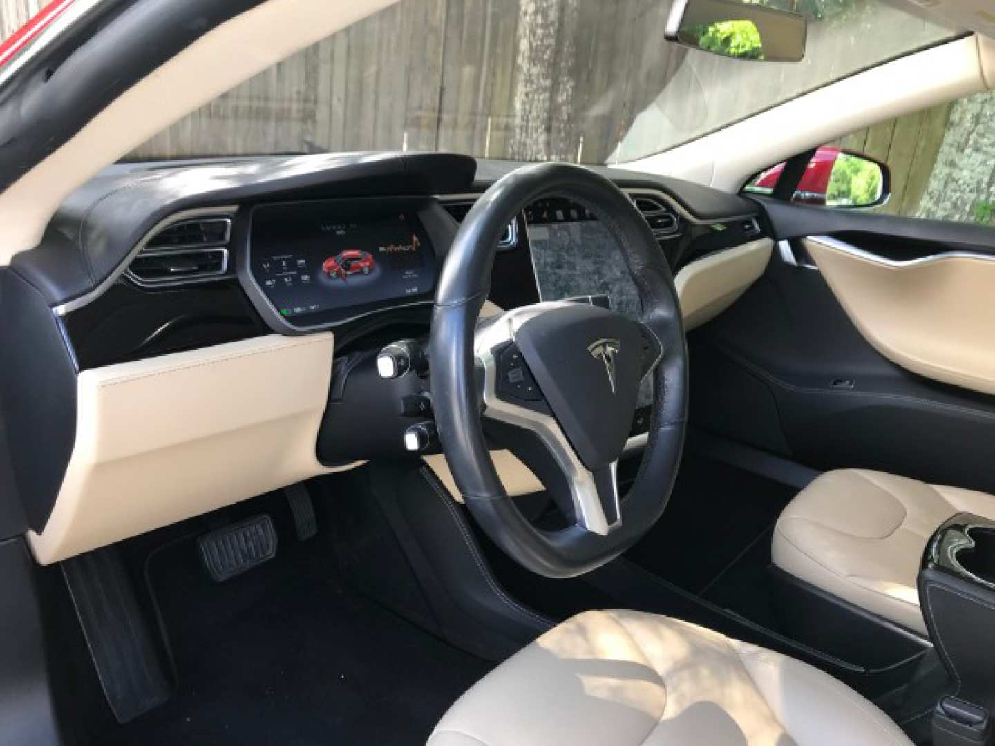 3rd Image of a 2014 TESLA S70
