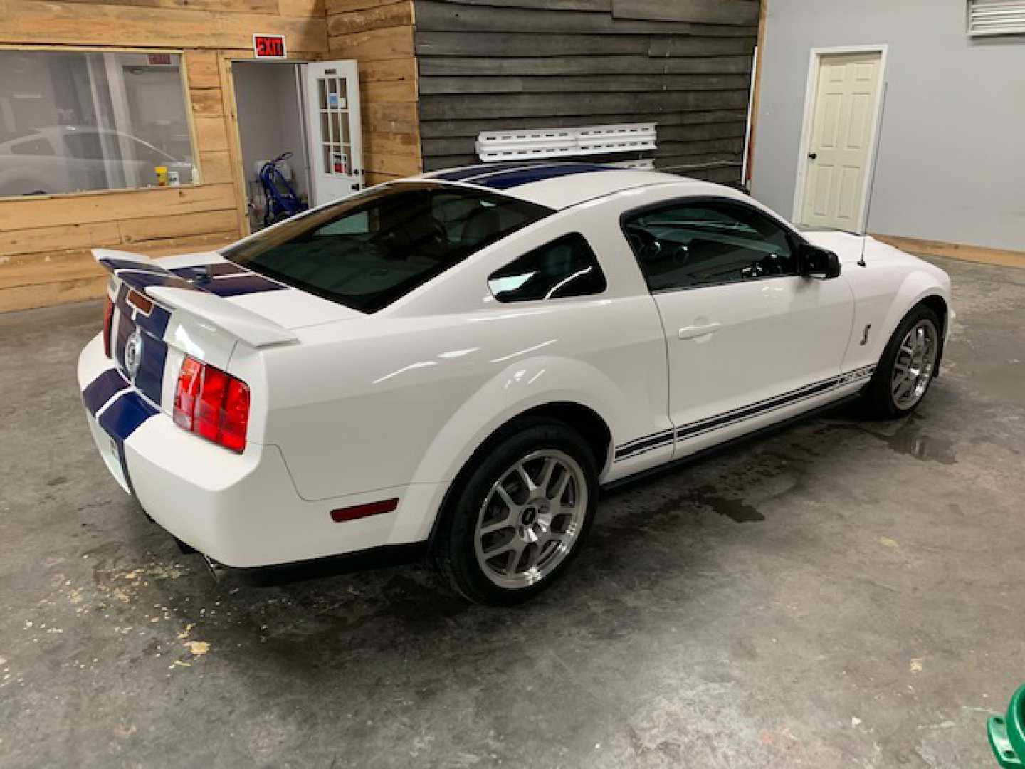 2nd Image of a 2008 FORD MUSTANG SHELBY GT500