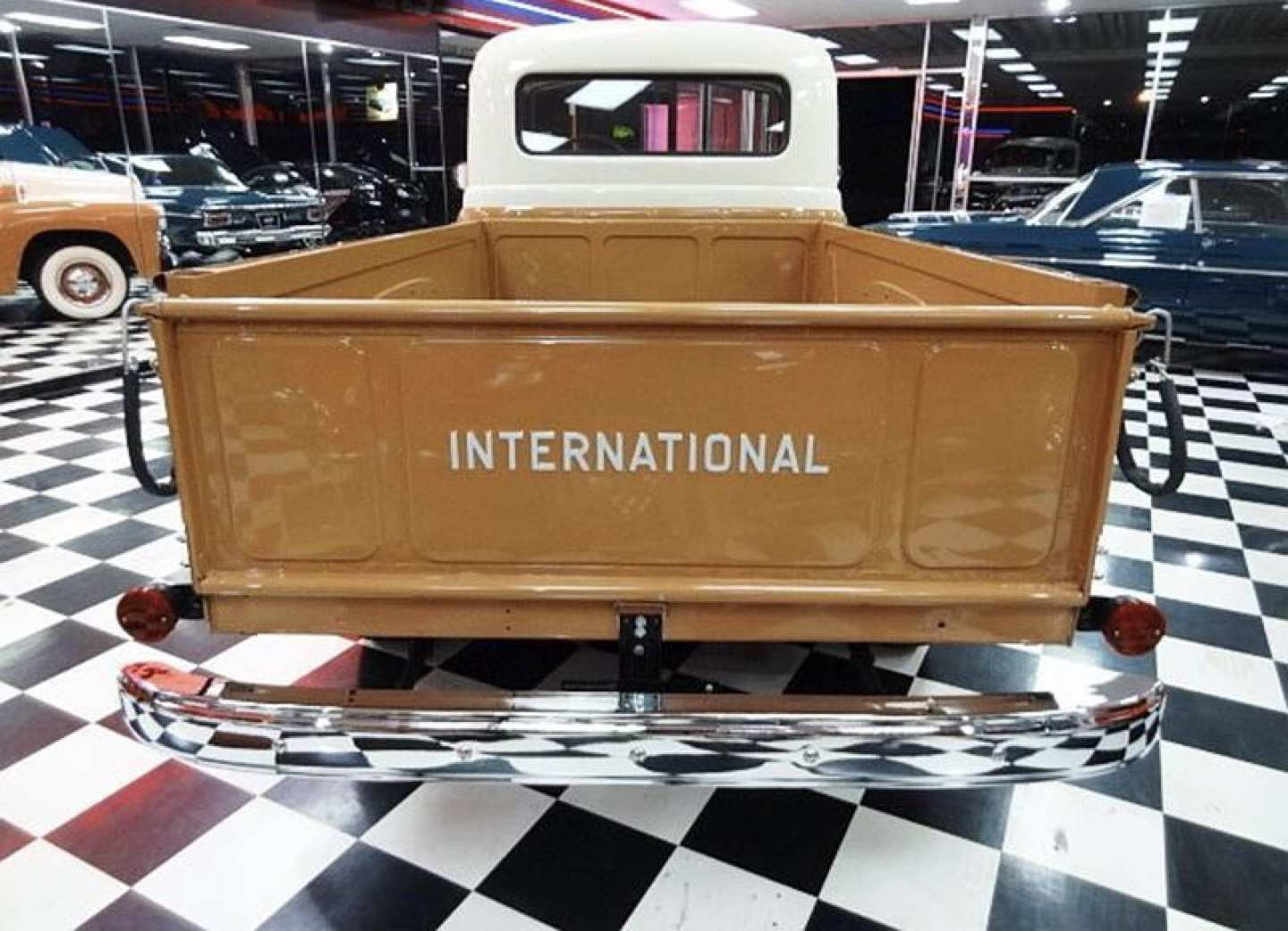 7th Image of a 1956 INTERNATIONAL S110