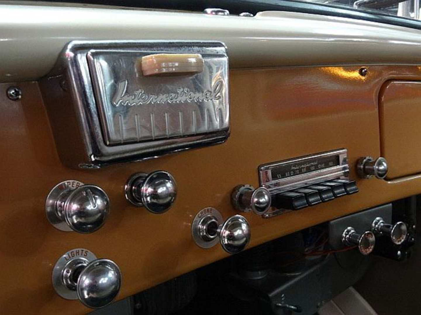 2nd Image of a 1956 INTERNATIONAL S110