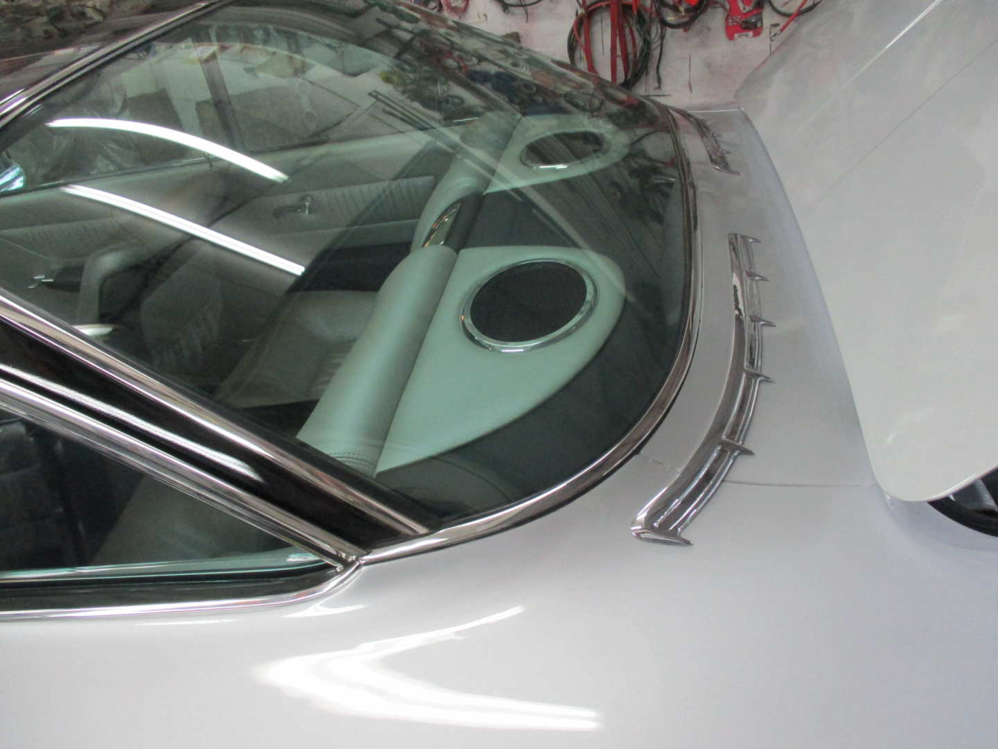 5th Image of a 1961 CHEVROLET IMPALA BUBBLE TOP